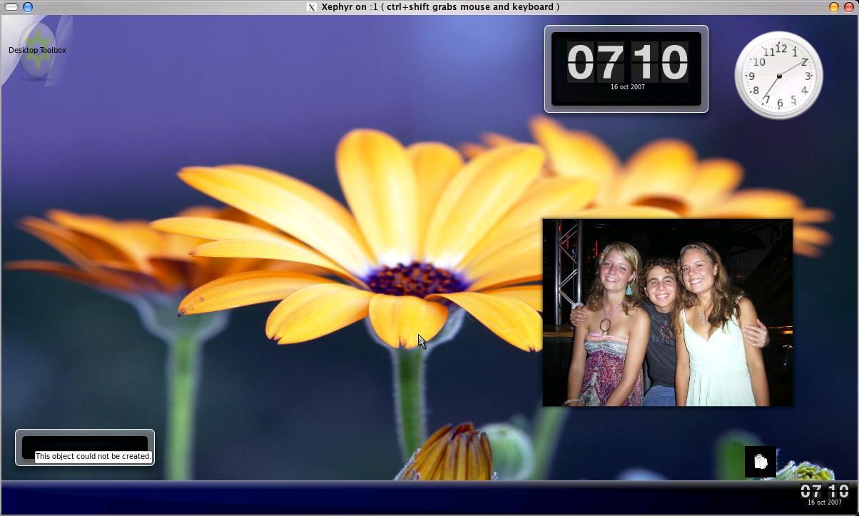 07-a-few-plasmoids-running-on-the-desktop.jpg