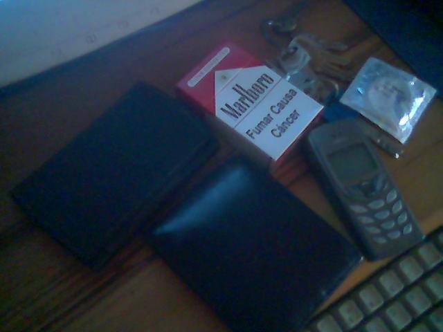 Stuff_on_my_pockets.jpg